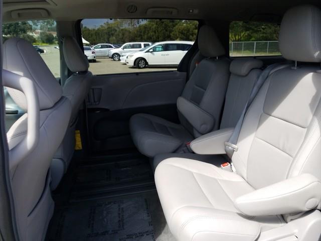 2015 Toyota Sienna XLE Minivan/Van
